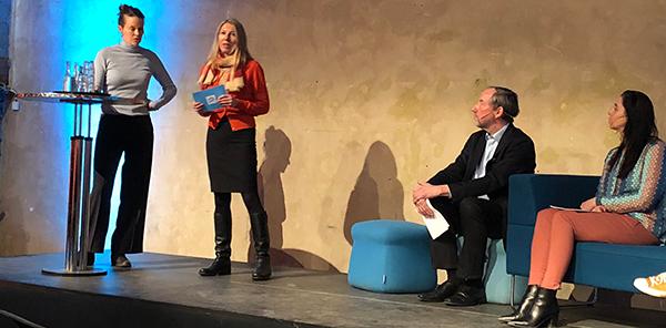 Ulrika Staugaard, Statsbygg, Sissel Hoel, Difi I sofaen; Jesper W. Simonsen fra Forskningsrådet og Mona Skaret, Innovasjon Norge