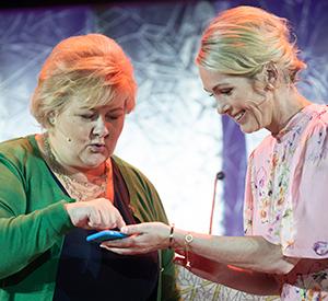 Erna Solberg og Anita Krohn Traaseth